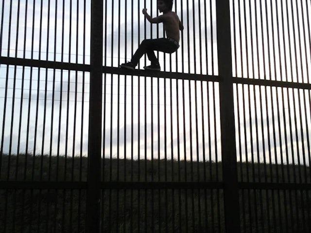 Borderwallbrownsvile.jpg?ixlib=rails 0.3