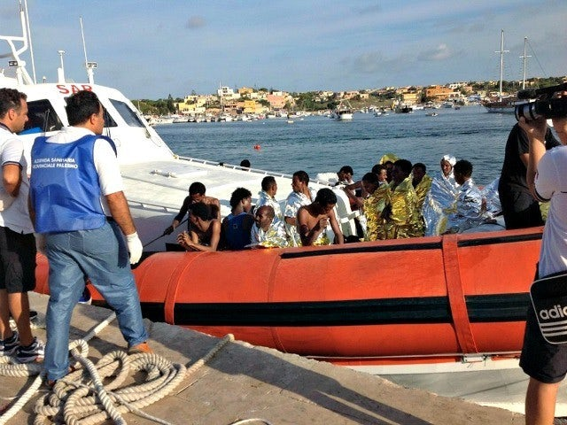 Boat carrying african migrants ap photo 640x480.jpg?ixlib=rails 0.3