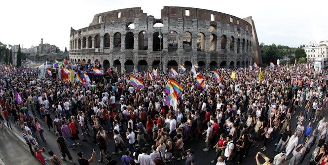 A pesar de que el progreso del estado va lento, el 70% de los italianos piensa que las personas LGTBI deberían tener los mismos derechos que las heterosexuales. (REUTERS/Alessia Pierdomenico)