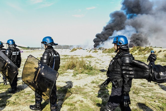 Razing the Calais camp was partly a political move to pander to the concerns of the far right. (Image: Sara Prestianni)