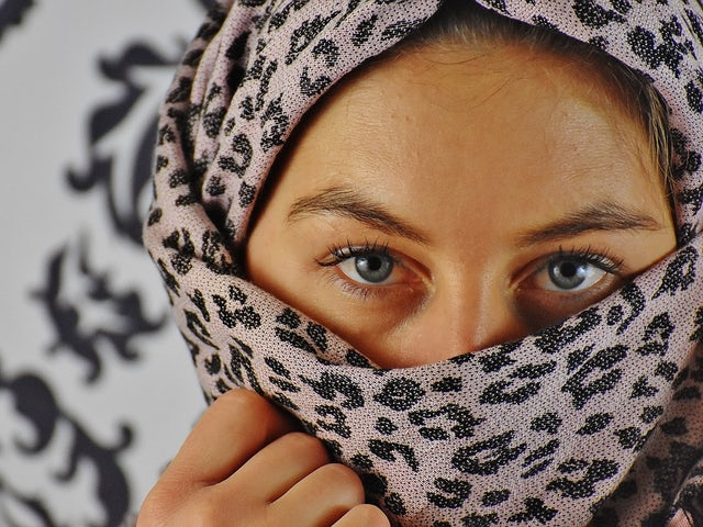Portrait eyes headscarf face head woman view 2059089.jpg?ixlib=rails 0.3