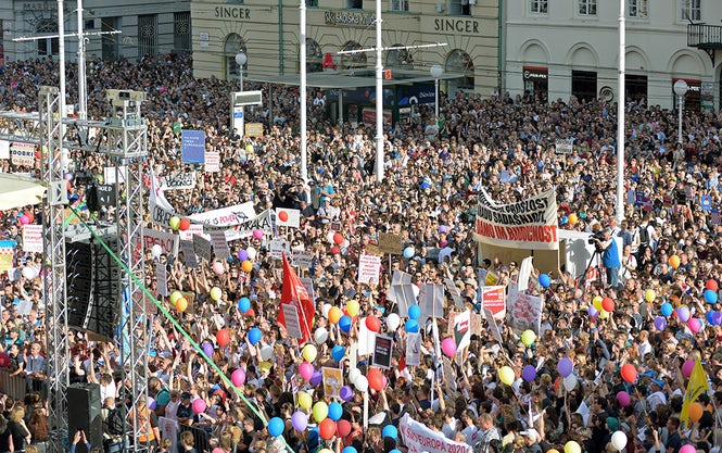50,000 Croatians demonstrated in the main square of Zagreb last week in support of education reform.  (Image: Nina Đurđević)