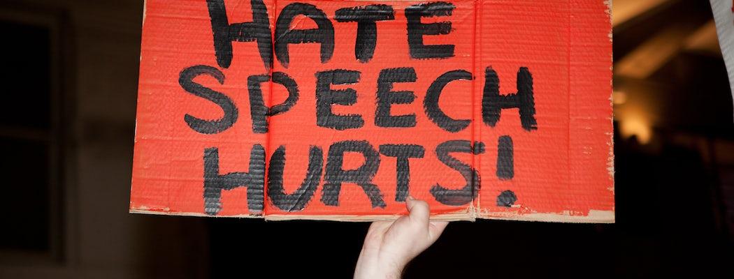 Risultati immagini per social hating