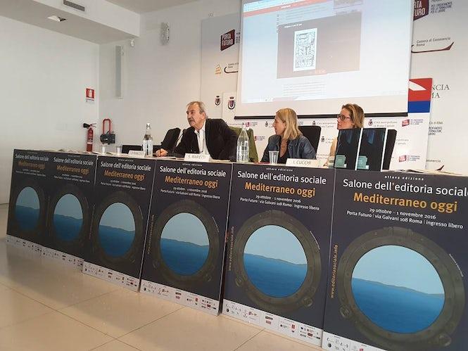 "Susanna Marietti (center) presents her book ""Antigone. 25 years of Italian history seen from behind bars."""